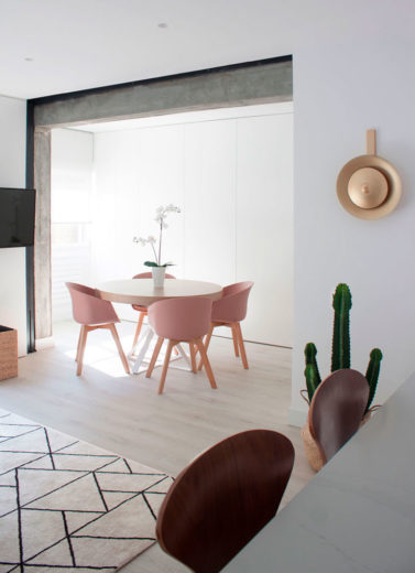 zona de comedor de un piso reformado en Chamberi
